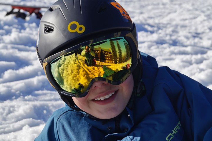 Rent a children's ski helmet